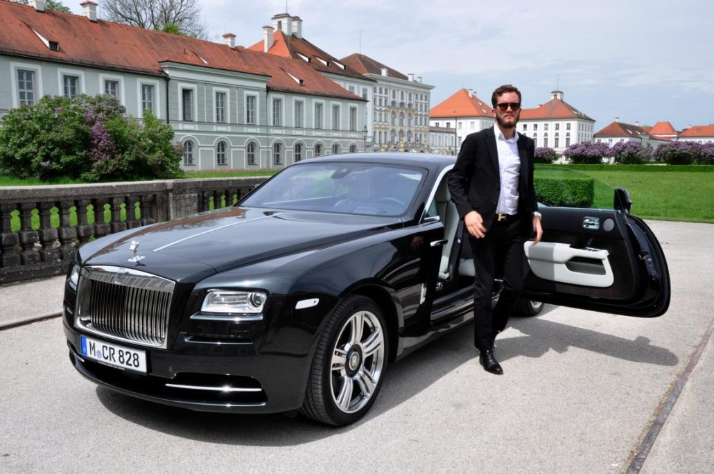 rolls royce wraith a ride into the nightfall a gentleman 39 s world. Black Bedroom Furniture Sets. Home Design Ideas