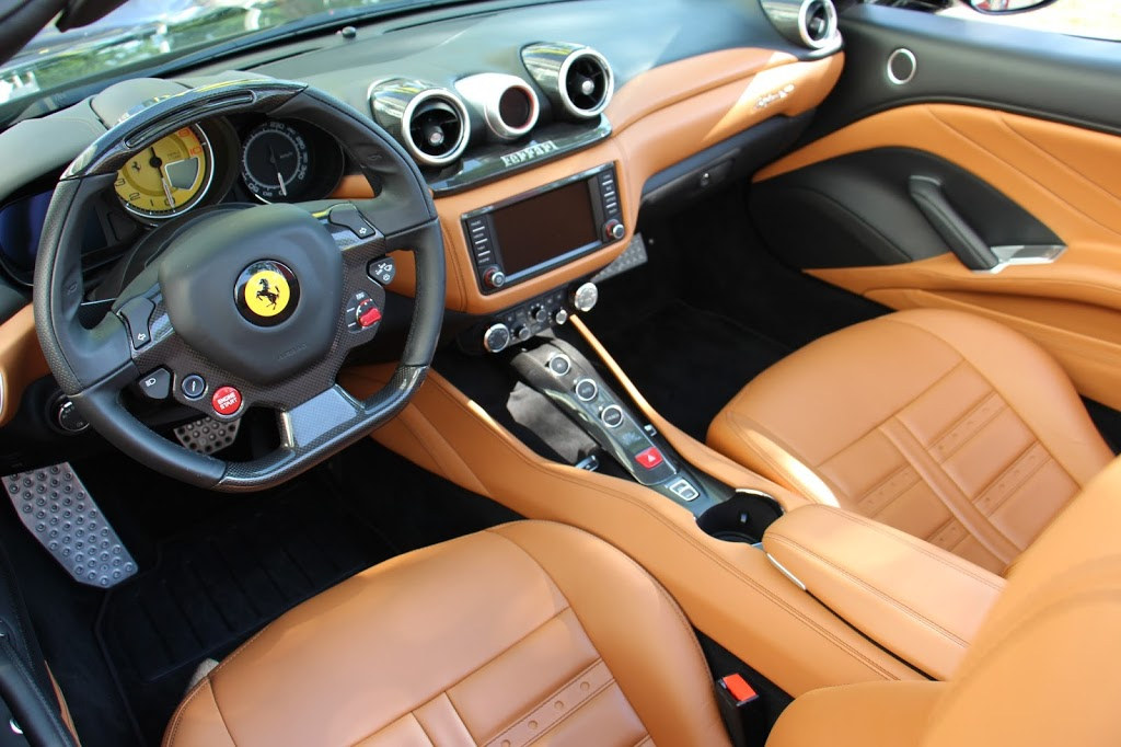 The new ferrari california t a gentleman 39 s world for Ferrari california t interieur