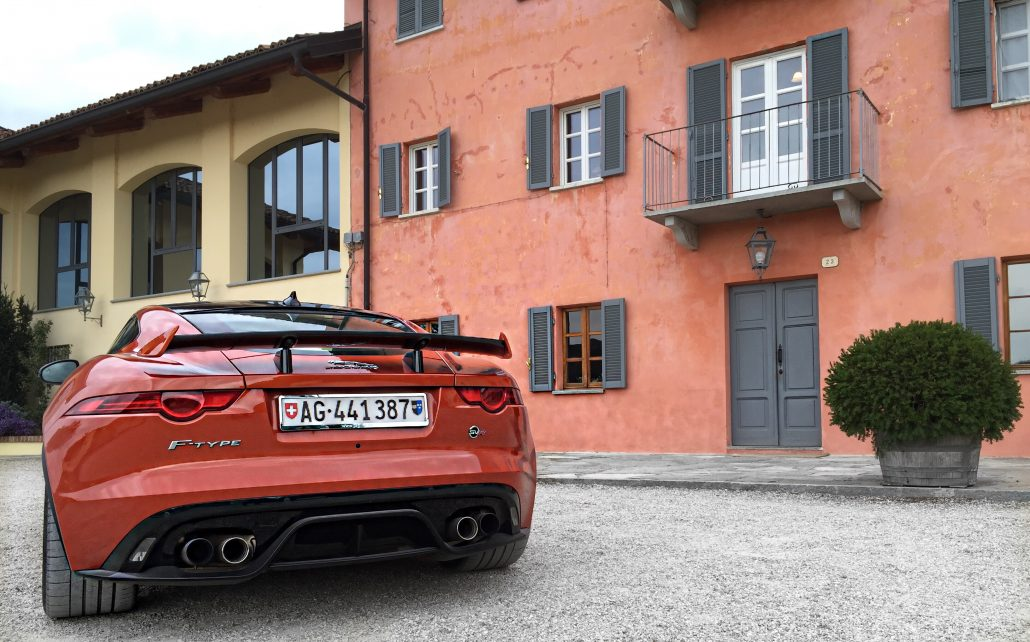 jaguar-f-type-svr-rear