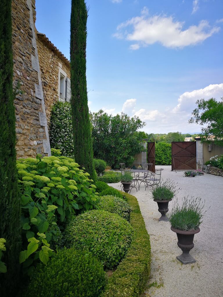 airbnb provence