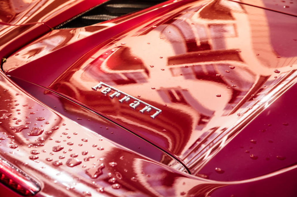 ferrari logo red