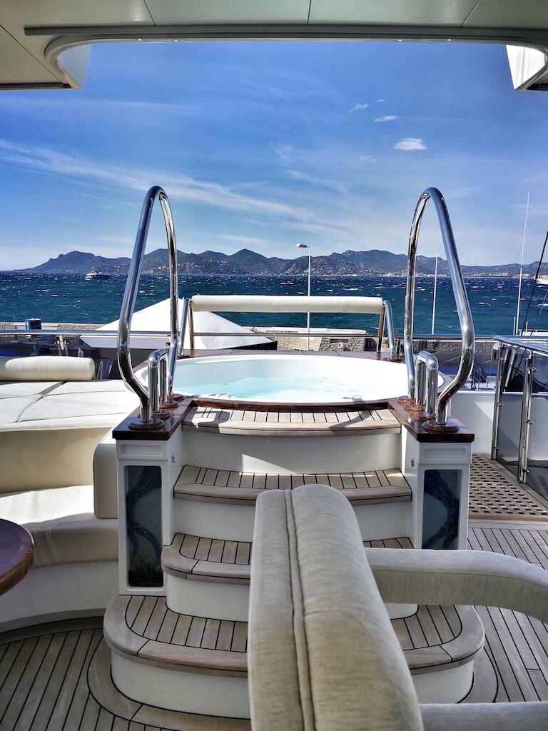 jacuzzi yacht