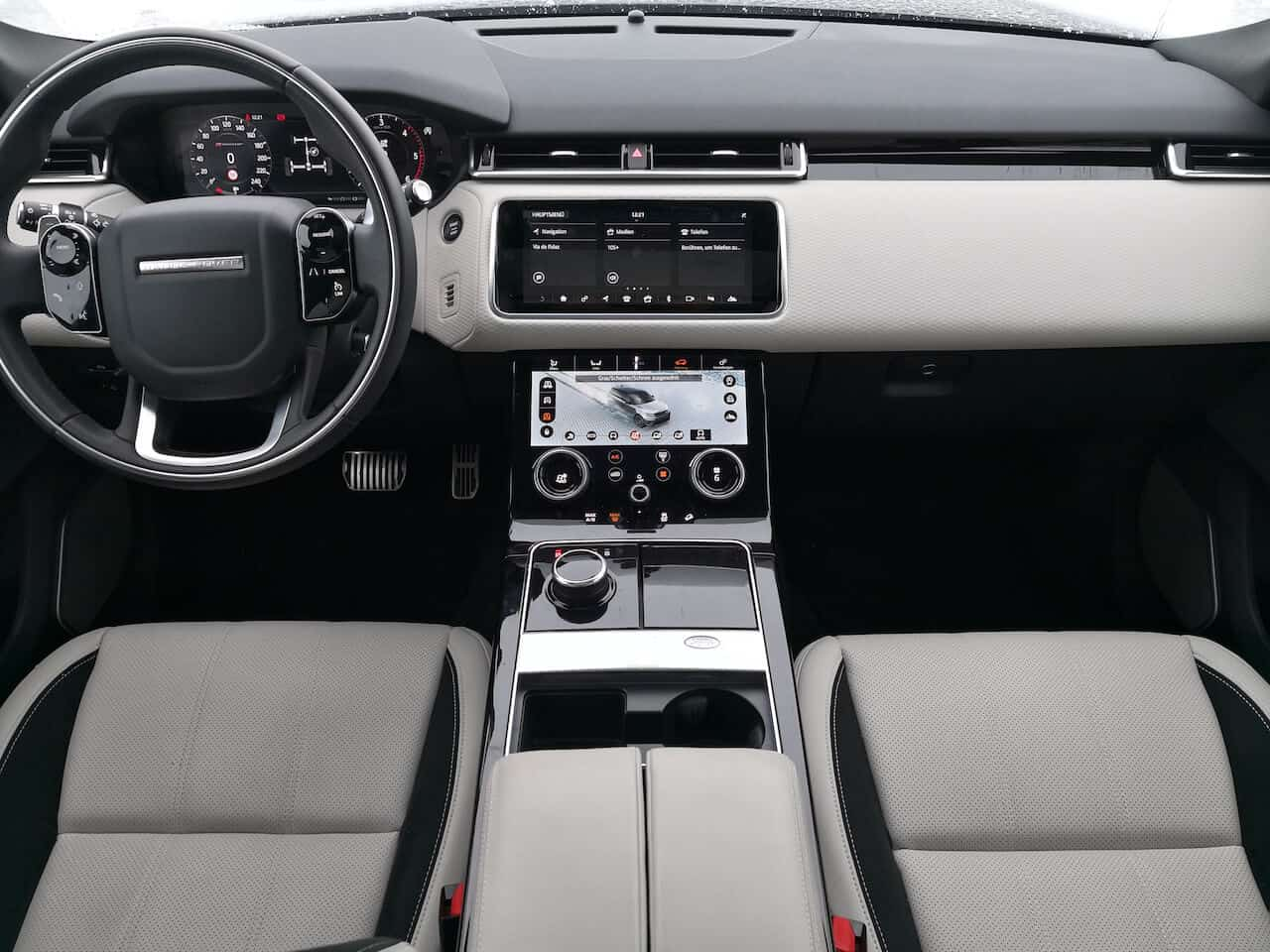 Range rover velar interior a gentleman 39 s world for Interno velar