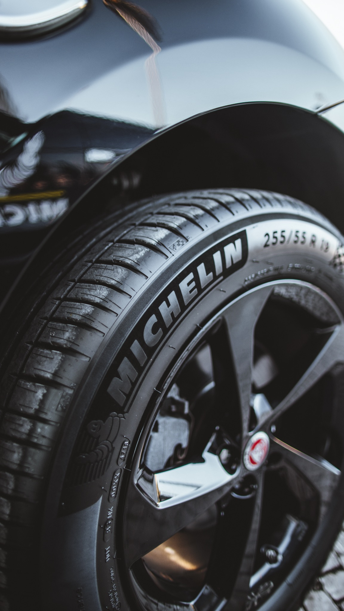 review the new pilot sport 4 suv tires by michelin. Black Bedroom Furniture Sets. Home Design Ideas